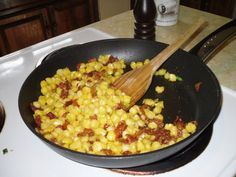 Seminole, Baconed Hominy Native American ~ Seminole, Bacon-ed Hominy Recipe American Dishes, American Food, Native American Recipes, Vegetable Side Dishes, Vegetable Recipes, Hominy Recipes, Native Foods, Indian Food Recipes, Meals