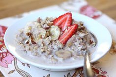 Strawberry Banana Pecan (instead raisins)   3 cups milk 2 cups old fashioned rolled oats 2 bananas, sliced thinly 1 cup strawberries, chopped 1/2 cup pecans, chopped small scant 1/4 cup brown sugar 1 teaspoon cinnamon 1/4 teaspoon salt Optional: additional sliced bananas, berries and pecans for garnish -