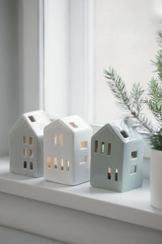 Søstrene Grene: Weihnachtskollektion 2017 - home Christmas Colors, Christmas Home, Christmas Crafts, Christmas Decorations, Christmas Ornaments, Holiday Decor, Xmas, Clay Houses, Ceramic Houses