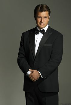 Nathan Fillion- Castle Season six promo picture Nathan Fillion in a suit. Castle is my all time favorite TV show! Nathan Fillion, Gorgeous Men, Beautiful People, Beautiful Stories, Castle Season, Castle Tv Shows, Castle Series, Richard Castle, Star Wars