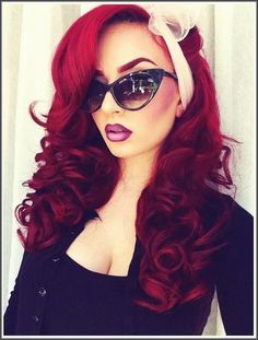 Modern pin up girl.omg yes her hair her make up the glasses the hair scarf I love it all! Pin Up Hair, Love Hair, Gorgeous Hair, Gorgeous Makeup, Peinados Pin Up, Ombre Lips, Red Lips, Ombre Hair, Natural Hair Styles