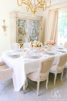 Pink and Blue Mother's Day Table featuring women with small businesses. This pretty pink and blue table features monogrammed plates and napkins. Gold Sunburst Mirror, Mirrored Sideboard, How To Feel Beautiful, Side Chairs, Tablescapes, Diy Home Decor, Table Settings, Roses, Nightlife Travel