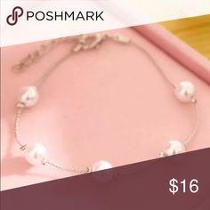 Beautiful Silver Pearly Bracelet Brand New #B003 Jewelry Bracelets