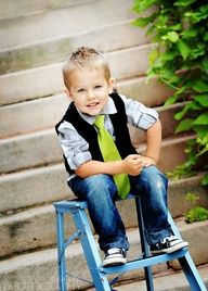 pose for little boy. Love the outfit and the pose!