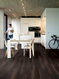 QuickStep Perspective Wide Fumed Oak Dark Planks 2v-groove Laminate Flooring 9.5 mm, QuickStep Laminates - Wood Flooring Centre