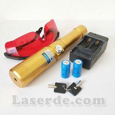 Der beste laserpointer 10000mw blau , wir verwenden die hochwertigsten Materialien, Luftfahrt-Aluminium-Legierung, Kupfer-Laser-Modul, um die Qualität von Laserpointer. stark Laserpointer Lebensdauer von mehr als 8000 Stunden, Bestrahlungsabstand von mehr als 10000m, Sie können mit diesem blauen Laserpointer Zigaretten anzünden, Holz schmoren,Plastik durchbrennen und noch vieles mehr. Es kann fünf Arten von Starlight effekt zu schicken, ist sicher, dass Sie zufrieden sind.