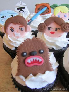 Inspiration for Star Wars Cupcakes for kid's b-day this year (2013)