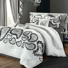 Taj Comforter Set