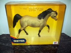 1990 BREYER HORSE GREYSTEAK - ACTION ARABIAN #899