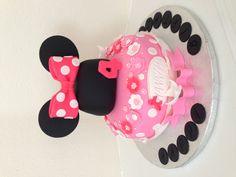 Pretty in pink Mini Mouse Cake