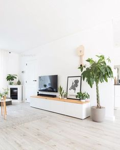How to organize your living room to save space and display your prettiest furniture pieces? here are the living room furniture layout tips. Living Room Inspo, Ikea Living Room, Small Living Rooms, Studio Interior, Living Room Designs, Apartment Living Room, House Interior, Living Room Furniture Layout, Apartment Interior