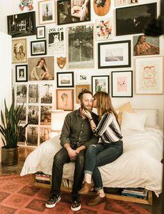Modern Urban Jungle Home Tour // hipster cozy art gallery wall home tour