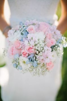 bouquet-delicate-hoisting-brautstrauß-beautiful-ideas-Hochzeitsdeko-h … - Decor Boquette Wedding, Wedding Pastel, Vineyard Wedding, Wedding Reception, Wedding Ideas, Pastel Bouquet, Bouquet Flowers, Bride Bouquets, Bridesmaid Bouquets