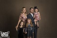#lubbock #captivatedimages #lubbockphotographer #texasphotographer #familyphotographer #momanddad #couples #marriedcouples #holiday #familypictures#familyposes #familyphotography #christmasportraits #christmascardportraits #westtexasphotographer#bestoflubbockphotographers  #bestofthewest2017