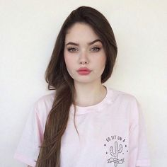 Find images and videos about girl, hair and beauty on We Heart It - the app to get lost in what you love. Pretty People, Beautiful People, Beauty Makeup, Hair Beauty, Female Character Inspiration, Perfect Woman, Cute Faces, Tumblr Girls, Beautiful Eyes