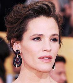 Statement earrings on Jennifer Garner