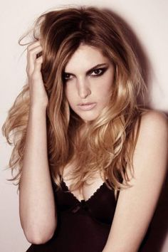 Mannequins, Long Hair Styles, Model, Beauty, Beautiful, Hairstyle Ideas, Plus Size, Long Hairstyle