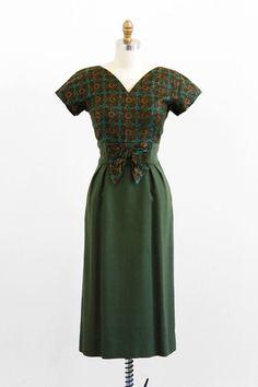 vintage 1960s dress / 60s dress / Green Wiggle by RococoVintage, $168.00