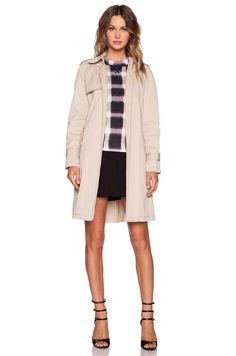 Marc by Marc Jacobs Classic Trench Coat in New Beige | REVOLVE