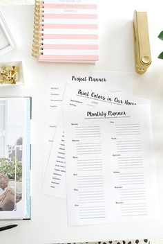 A free printable planner--The Whole House Home Decor Planner--the same tools we use to keep motivated and organized in decorating our homes. A free 10 page planner, perfect to insert in a Home Management Binder or use on it's own. Contains project planner, list of paint colors, worksheets and questionnaires. FREE!