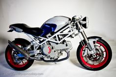 My husband would LOVE one so bad one day babe...ducati monster