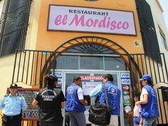 Cierran en Trujillo restaurante de la congresista Rosa Núñez por insalubre. Fiscalizadores sanitarios de la subgerencia de Salud de la Municipalidad de Trujillo clausuró y multó con 7 mil 200 soles - See more at: http://multienlaces.com/cierran-en-trujillo-restaurante-de-la-congresista-rosa-n%c3%ba%c3%b1ez-por-insalubre/#sthash.OOqpAQP2.dpuf