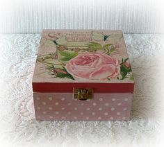 Decoupage Box, Decoupage Vintage, Vintage Box, Vintage Pink, Vintage Style, Wooden Tea Box, Painting On Wood, Decorative Boxes, Vintage Fashion