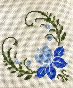 1 million+ Stunning Free Images to Use Anywhere Cross Stitch Heart, Cross Stitch Borders, Cross Stitch Flowers, Cross Stitch Designs, Cross Stitching, Cross Stitch Patterns, Loom Patterns, Hand Embroidery Stitches, Hand Embroidery Designs
