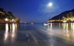 A special good evening from Eight Hotel Paraggi private beach! #EightHotels #EightHotelParaggi #portofino #liguria #ItalianRiviera #sunset #bay #sea #beautiful #wonderful #instapic #like4like #follow4follow #chillout #goodvibes #holiday #night #vip #travelgram