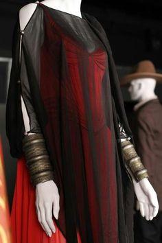 Vestido rojo y negro