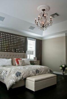 moderne hauptschlafzimmer designs decor dunkle grautöne setzen die dramatische kulisse für dieses masterschlafzimmer small master bedroom 55 best 53 hauptschlafzimmer mit grauen wänden images on pinterest