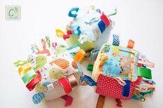 Cubo para bebé, com som, texturas e cores