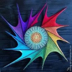 Love finding new inspiring artwork! Especially loving this string art by Russian artist Tatiana Miklyaeva! I remember doing string on nail… String Art Diy, String Crafts, Arte Linear, Pictures On String, String Art Patterns, Decoration Originale, Amazing Paintings, Thread Art, Diy Décoration