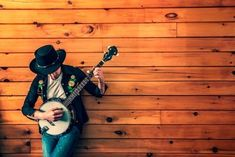 List of websites to learn banjo lesson online. Discover the free and paid banjo lessons available online and learn how to play the banjo. Banjo lessons for beginners, intermediate and professional banjo student. Martina Mcbride, Rascal Flatts, Randy Travis, Marketing Musical, Marketing Quotes, The Piano, Pepe Aguilar, Funeral Songs, Country Music