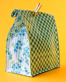 The same oilcloth that covers your kitchen table can transport your children's lunches -- or your own -- in leak-free style.