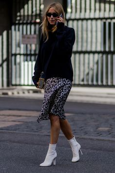 Copenhagen Fashion Week street style, white ankle boots totally elevate this otherwise mundane look (I completely agree! Ankle Boots Outfit Winter, White Ankle Boots, Ankle Boots Dress, Winter Boots Outfits, Booties Outfit, Calf Boots, Black Tights, News Fashion, Trendy Fashion