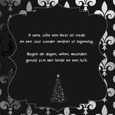 Kerstwens in zwart en zilver met een kerstboom en de kerst tekst: Ik wens jullie een kerst vol vrede en een jaar zonder verdriet of tegenslag. Mogen de dagen, weken, maanden gevuld zijn met liefde en een lach. Hele mooie kerstwens, kijk voor meer kerstteksten op LUCKZ.nl