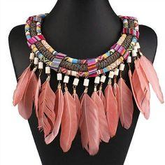 Mira este artículo en mi tienda de Etsy: https://www.etsy.com/es/listing/270077015/necklace-feather-tassels-and-stones