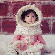 Crochet Hoodies SCARF CROCHET PATTERN Hoodie Easy Cowl Cape Fur by JocelynDesigns - How cute will you little girl be when she wears this oh-so-cute hoodie and mini-cape cowl. The cold of winter won't feel so chilling! Basic Crochet Stitches, Crochet Basics, Easy Crochet Patterns, Crochet Ideas, Crochet Hoodie, Crochet Beanie Hat, Booties Crochet, Crochet Poncho, Crochet Fabric