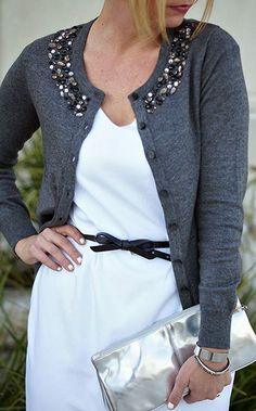 Jeweled Spring Light Cardigan🌸 Beautiful and like new Embellished Cardigan. pic not actual pic of Cardi. Diy Fashion, Womens Fashion, Fashion Design, Fashion Trends, Fashion Clothes, Diy Kleidung, Diy Vetement, Diy Clothing, Pulls