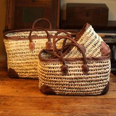 Open weave market and storage