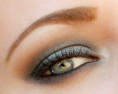 Grey and browns with the Naked palette