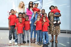 Miss South Africa 2011 Melinda Bam, Miss Universe 2011 Leila Lopes and children from Thuthuzela Children Home