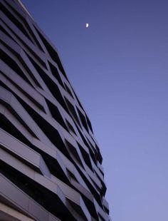 Exterior aspect of housing In Aveiro by RVDM