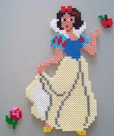 Snow White hama perler by Les loisirs de Pat