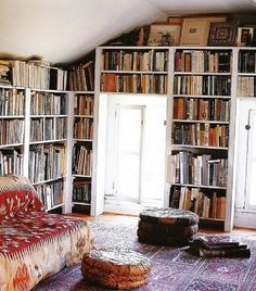 Great natural light, outstanding furniture! Above all, substantial book collection!❤ this room for sure!