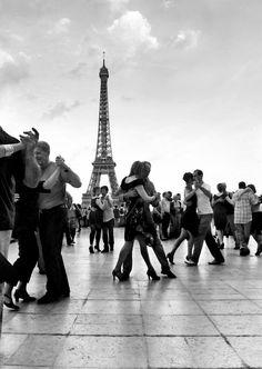 Paris un tango II by endegor on DeviantArt