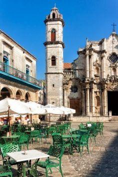 Cathedral of Havana and nearby plaza, Photo: Karel Miragaya