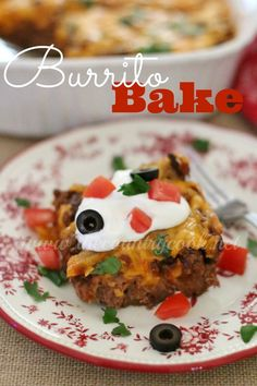 Burrito Bake - layers of Bisquick, refried beans, taco beef and ooey gooey cheese!! A family meal we LOVED! | www.thecountrycook.net | #GetYourBettyOn