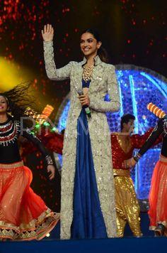 Deepika Padukone Looks Lovely at The Umang Police Show